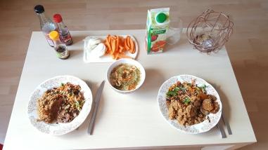 """Houmous, dal de lentilles corail, mélange de légumes """"asiatique"""", tempeh mariné"""